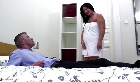 セックスパートナーロシア、彼女の手で自分自身を助ける女の子 鈴木 一徹 潮吹き 動画