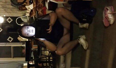 乳首が見える アダルト 無料 動画 女性