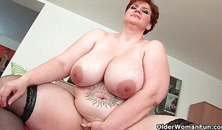 琥珀Faye柄の赤い椅子 熟 女 動