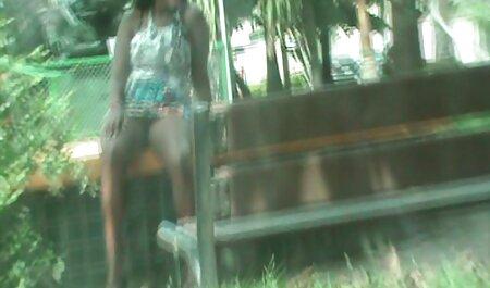 金髪Slut吸い込み大きな波状のコック 無料 エロ 女 動画