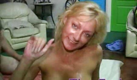 情熱的な茶色の髪が彼女の肛門にコックを取得します 無料 av 動画 女性